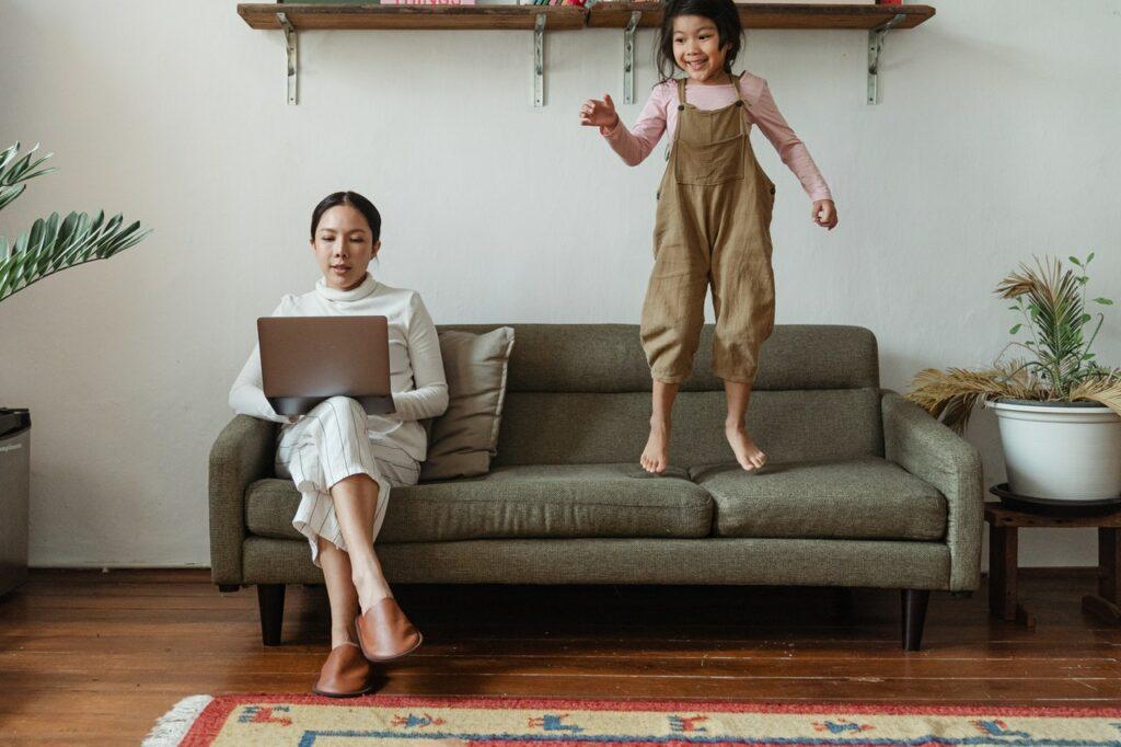 Cómo Trabajar desde Casa Sin Perder Productividad y Cordura